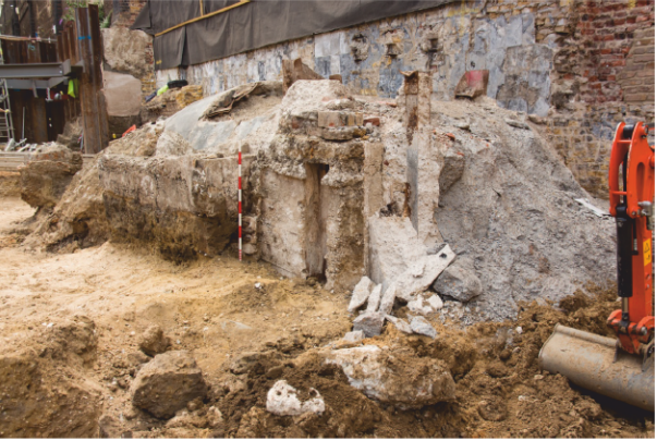 Plate 5 : Remains of the access tunnel exposedduring excavation to the east of no. 143 Borough High Street, looking south (22 Jul 2015)